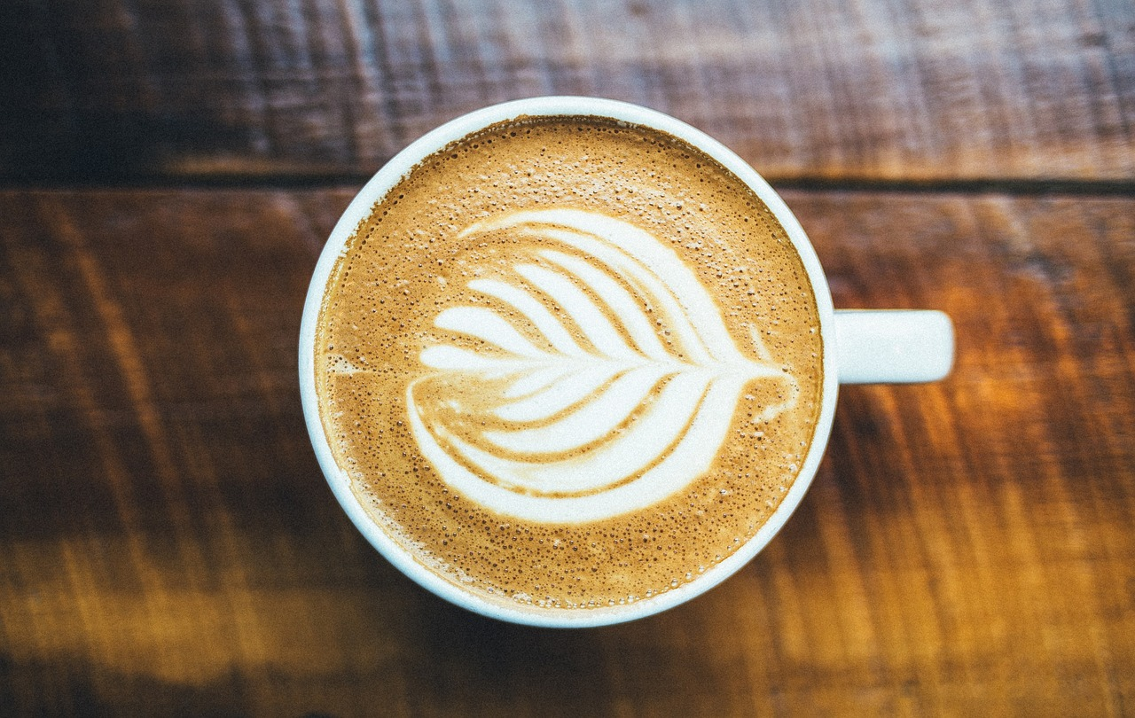 How to Make the Perfect Aromatic Latte at Home