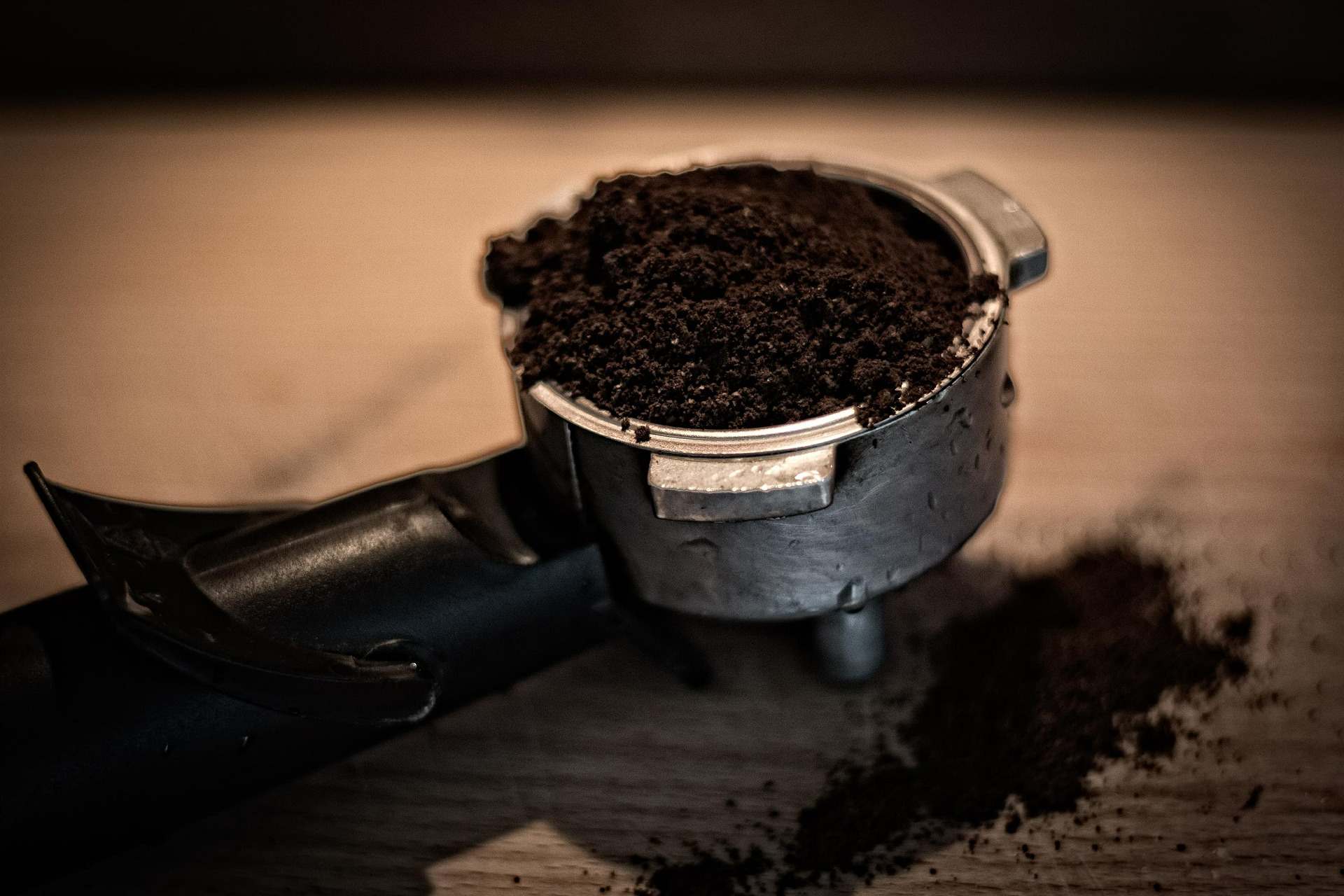10 Ingenious Uses for Coffee Bean Grounds